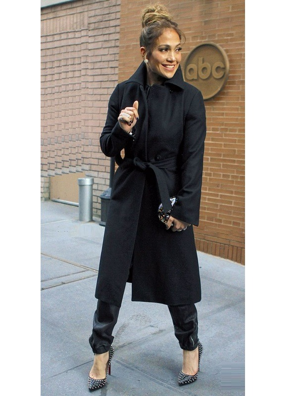 Gorgeous Jennifer Lopez Black Coat