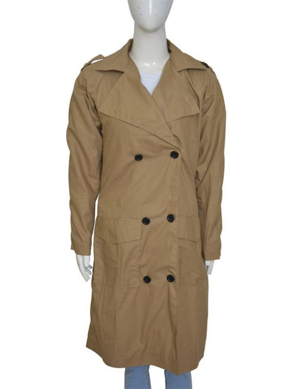 Jennifer Lopez Beige Color Coat