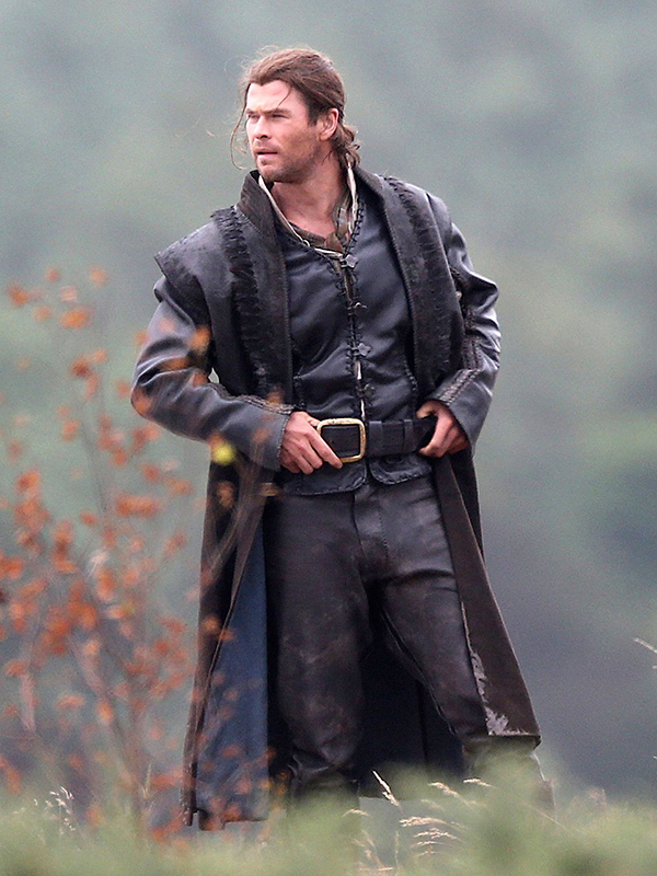 Chris Hemsworth The Huntsman Winters War Leather Coat