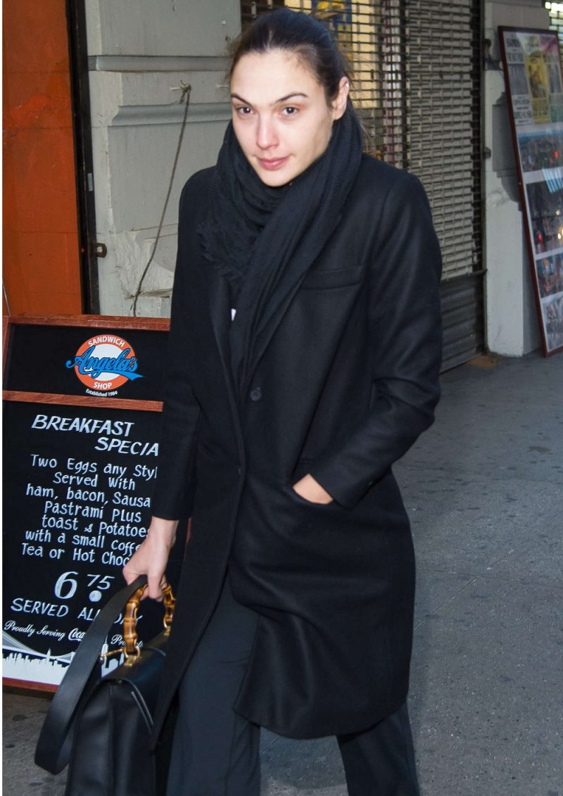 GAL GADOT Black COAT