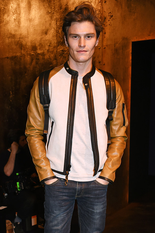 Model Oliver Cheshire Stylish Jacket